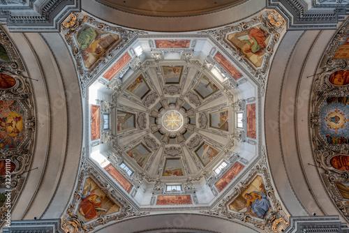 Kuppel des Salzburger Doms Fototapete