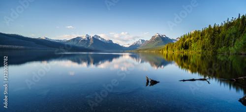 Fényképezés Adventurer at Lake McDonald in Glacier National Park, Montana
