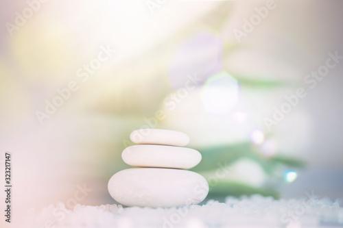 spa-martwa-natura-ze-stosu-kamienia