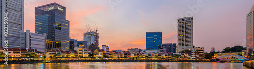 Obraz View of central district from Boat Quay and Clarke Quay, during sunset, Singapore 2019 - fototapety do salonu