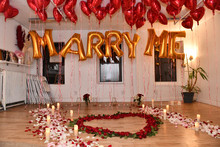 Will You Marry Me Proposal Decoration Set With Sign From Ballons In The City