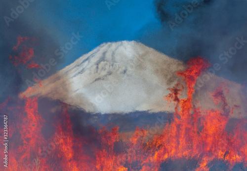 東富士演習場から野焼きの炎にゆがむ富士山 Tablou Canvas