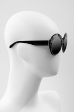 Mannequin Head With Sunglasses. Glasses And Mannequin. Glasses On A Mannequin Close-up.