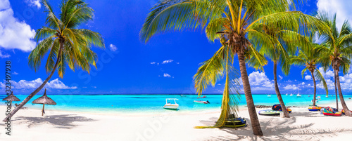 Tropical beach scenery . vacation in paradise island Mauritius, Le Morne - 323497938