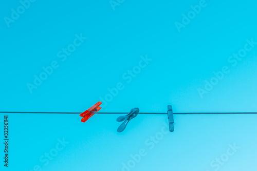 Photo Pinzas de ropa en un alambre