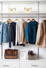 Modern Wardrobe With Stylish W...
