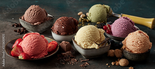 Tablou Canvas Gourmet summer dessert of artisanal ice cream