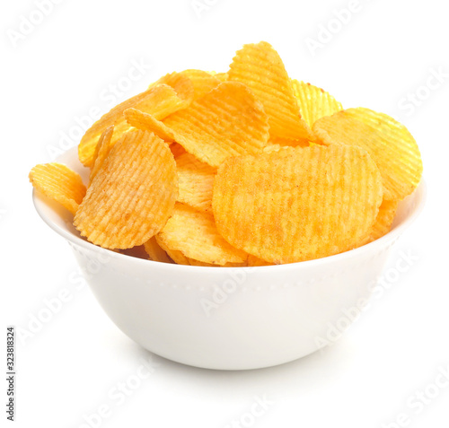 Fototapeta Bowl with tasty potato chips on white background obraz