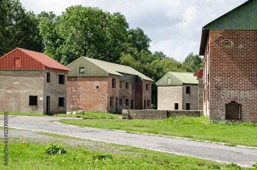 Fotografía Army combat training houses