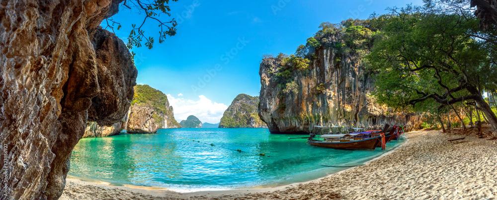 Fototapeta Blue water at  Lao Lading island, Krabi Province, Thailand(Paradise)