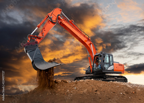 Canvastavla excavator at construction site