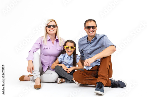 family with glasses for movie theater white background фототапет