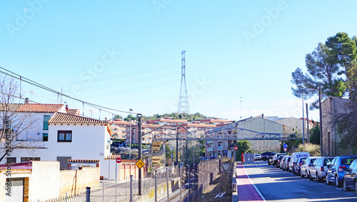 Estación de trenes y puente peatonal sobre las vías del tren en Piera, Barcelona Canvas Print
