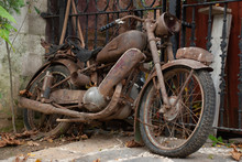 Very Old And Rusty Motorcycle ...