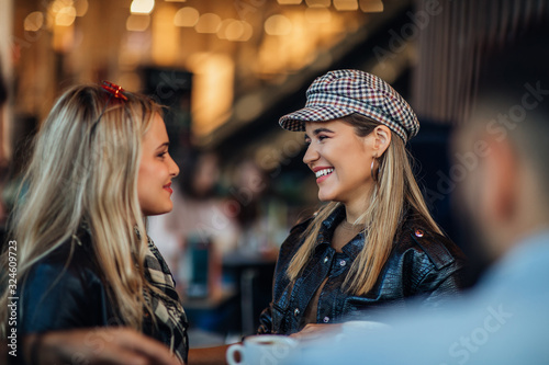 Fotografie, Obraz Coffee is even better shared with your bestie