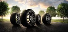 Sommer Reifen Auf Der Landstra...