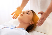 Reiki Master Working With Pati...