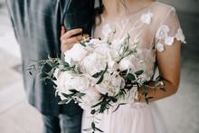 Wedding Bouquet In Bride's Han...