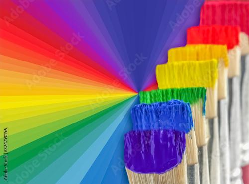 Photo pinceaux et spectre arc-en-ciel