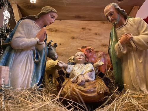 Obraz szopka, Boże Narodzenie, Narodzenie Pańskie, Matka Boże, św. Józef, Jezus, dzieciątko, dziecko - fototapety do salonu