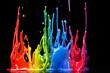 Bunte Farbe spritzt und tropf vor schwarzen Hintergrund