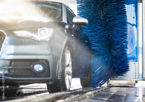 Obrazy motoryzacja  auto-in-der-waschanlage