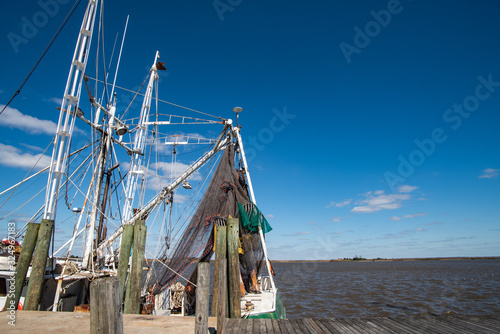 Canvas-taulu Rigging and netting on a shrimp boat