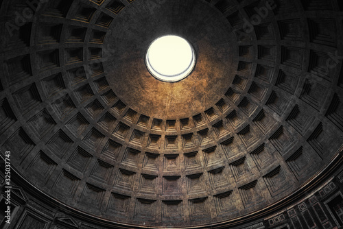 Fotografiet the dome of pantheon in rome