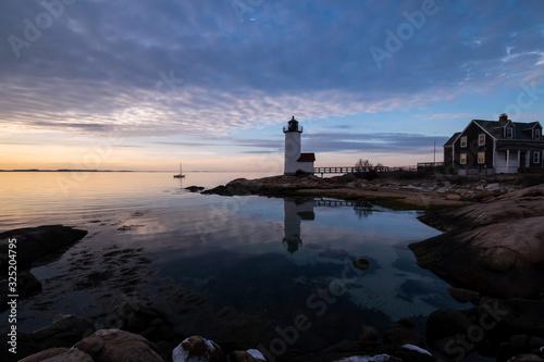Fotografia, Obraz Annisquam Lighthouse at sunset - Gloucester, Massachusetts.
