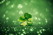 Lucky Four Leaf Clover Surroun...