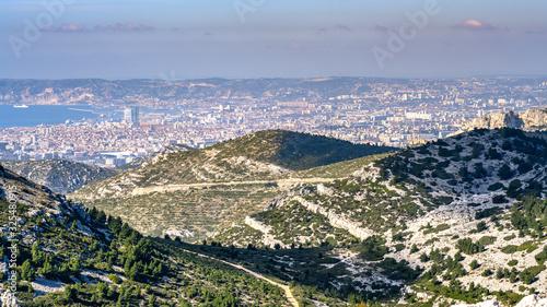 Fotografie, Obraz Vue sur Marseille depuis crête de l'Estret