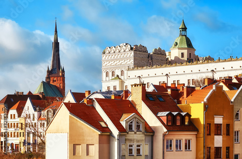 Photo Szczecin cityscape including Ducal Castle bailey and cathedral tower on the left, Poland