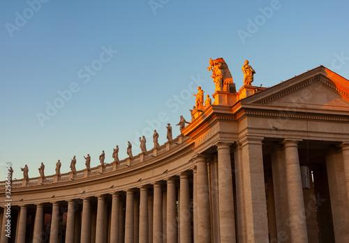 Foto St. Peter's Square colonnades, Rome