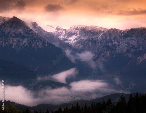 Fototapeta sunset in the mountains obraz na płótnie