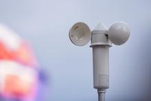 White Mechanical Wind Speed And Pressure Sensor-anemorumbometer.