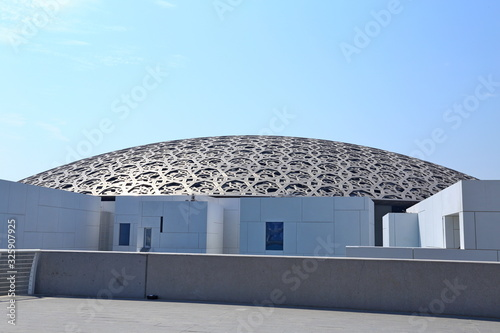 Louvre Abu Dhabi, a new landmark of Abu Dhabi, the famous museum of the French a Tableau sur Toile