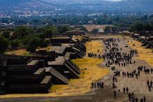 Calzada De Los Muertos. Teotihuacán, México