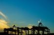 横浜港のクレーン群と夕景