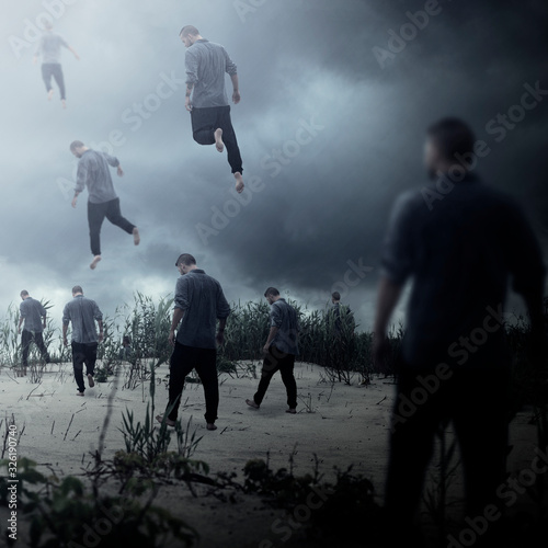 Photo Group of people ascend into the sky