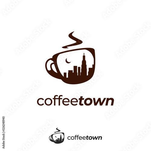 Fotografia coffee cup logoCoffee town logo with town city skyscraper silhouette inside mug
