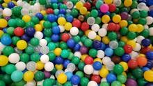 Piscina Com Bolinhas Coloridas