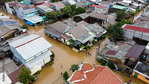 Foto Aerial POV view Depiction of flooding