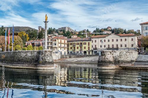 Valokuva Luino: the lakefront