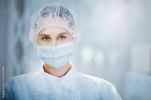 Canvastavla Surgical nurse portrait.