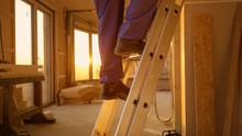 LENS FLARE: Builder In Blue Ov...