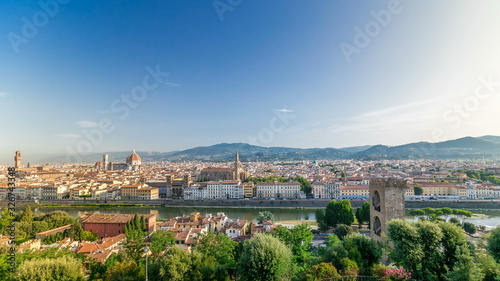 Photo Top view of Florence city timelapse at sunrise with arno river bridges and histo