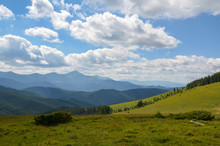 Nice View Of The Green Hills Which Glowing By Sunlight. Picturesque Carpathian Mountains Landscape, Panorama View Of The Chornogora Ridge, Ukraine Europe. Artistic Picture. Beauty World.