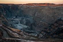 Super Pit Gold Mine In Kalgoor...