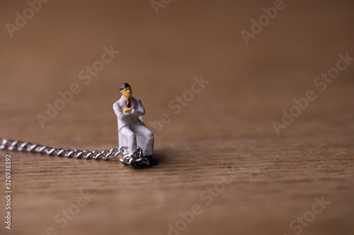 Fototapeta 鎖につながれたビジネスマン obraz