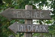 Schild Wildpark Natur Holz